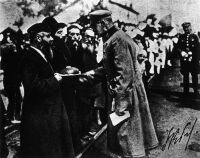 Jewish Poles welcome Pilsudski in 1920